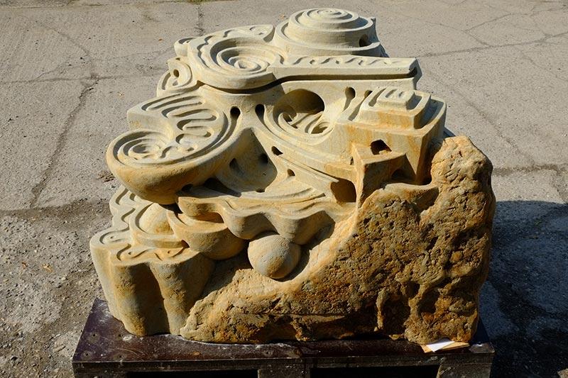 Kunst zum Spielen: Murmelbahnen aus Stein von Aquacado